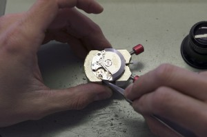 SAV-travail-sur-mouvement-automatique-valjou-7750-décoré-à-la-main-5-1024x682
